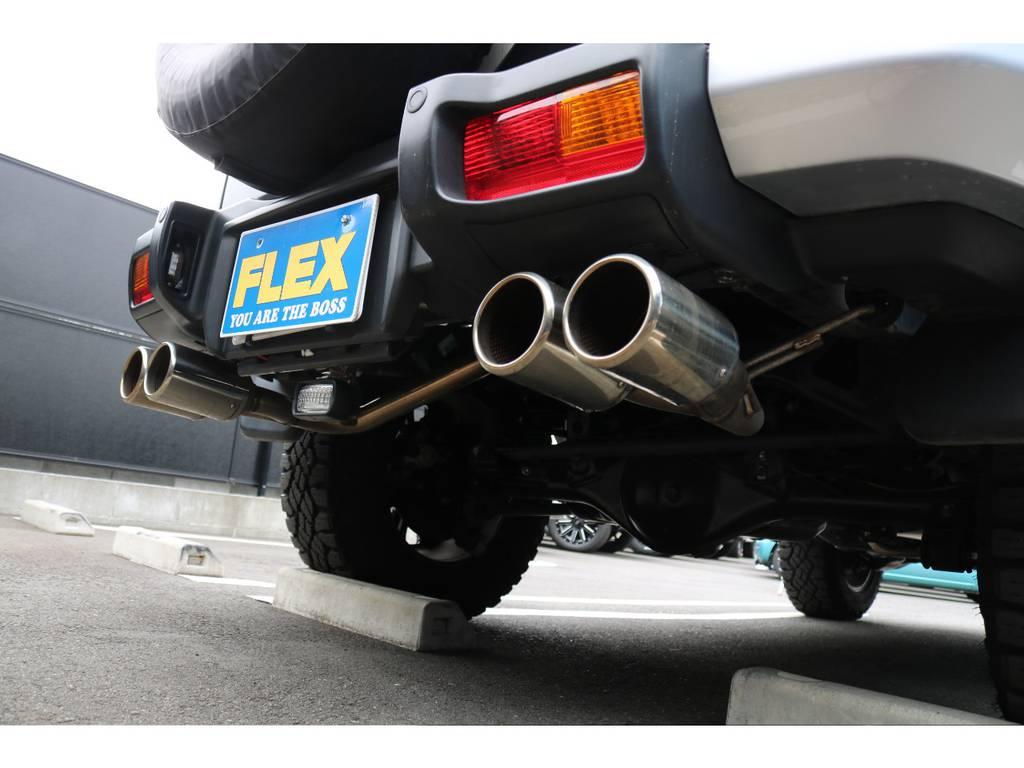 ロッソモデロ左右4本出しマフラーが装着済! | トヨタ FJクルーザー  ベースグレード