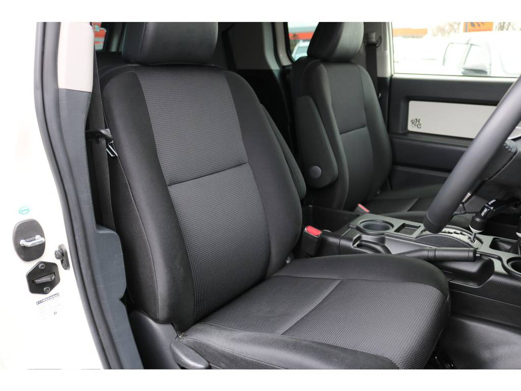 撥水性のファブリックシート、汚れが付きにくくご覧の通り綺麗な状態です! | トヨタ FJクルーザー  ベースグレード