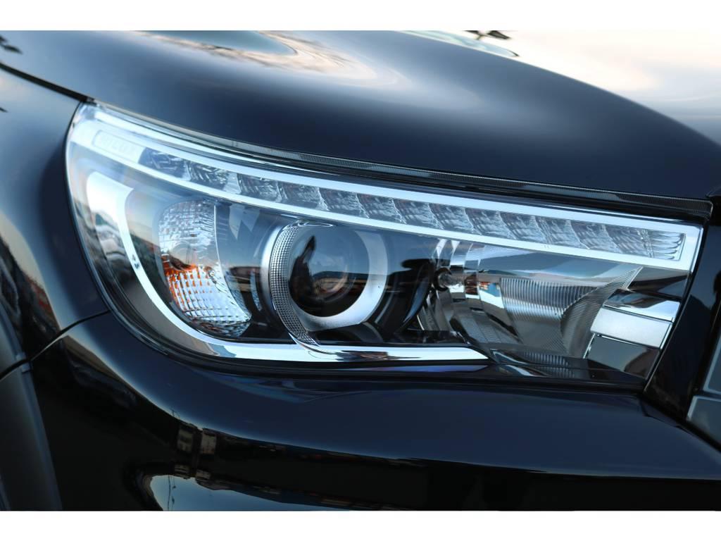 実用性と見た目を両立している、LEDヘッドランプ! | トヨタ ハイラックス 2.4 Z ブラック ラリー エディション ディーゼルターボ 4WD