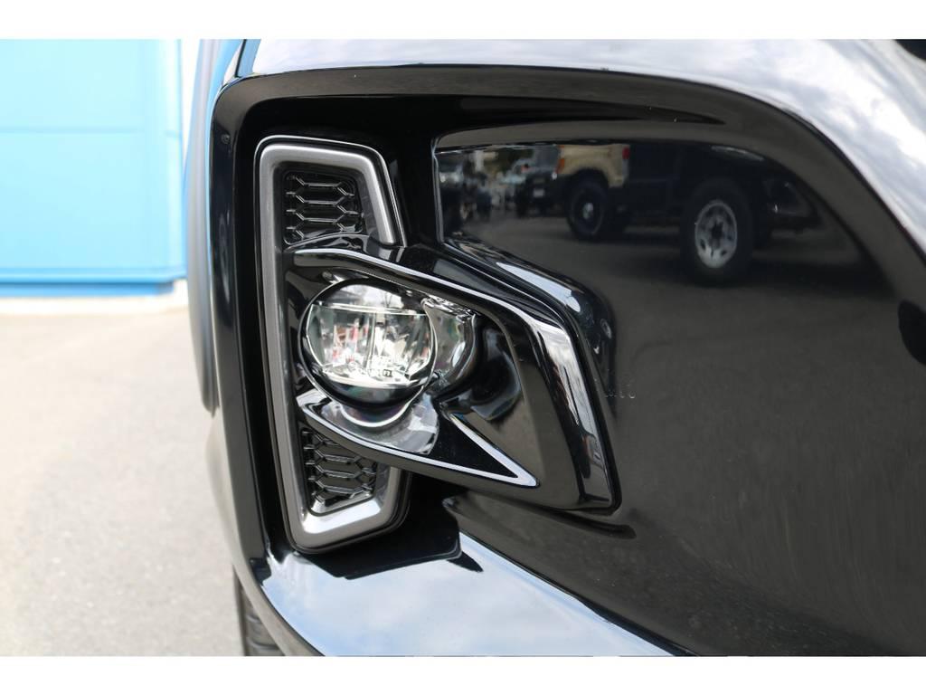 専用バンパーに合わせるLEDフォグ! | トヨタ ハイラックス 2.4 Z ブラック ラリー エディション ディーゼルターボ 4WD
