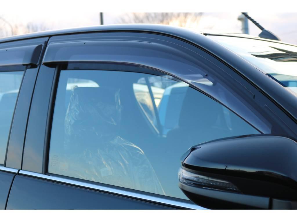オプションのサイドバイザー装備! | トヨタ ハイラックス 2.4 Z ブラック ラリー エディション ディーゼルターボ 4WD
