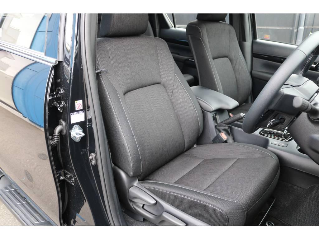 Zグレード専用ファブリックシート!専用デザインが要所で施されております! | トヨタ ハイラックス 2.4 Z ブラック ラリー エディション ディーゼルターボ 4WD