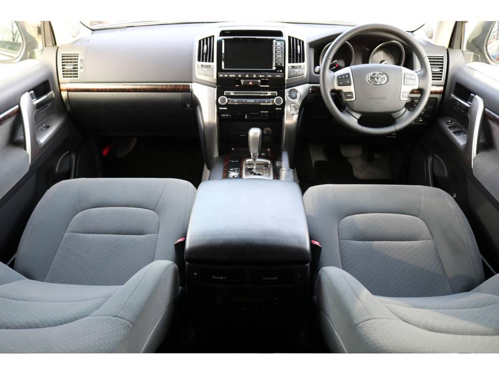 高額アイテムで人気のHDDマルチナビ装着車!ビルトインETCも完備! | トヨタ ランドクルーザー200 4.6 AX 4WD