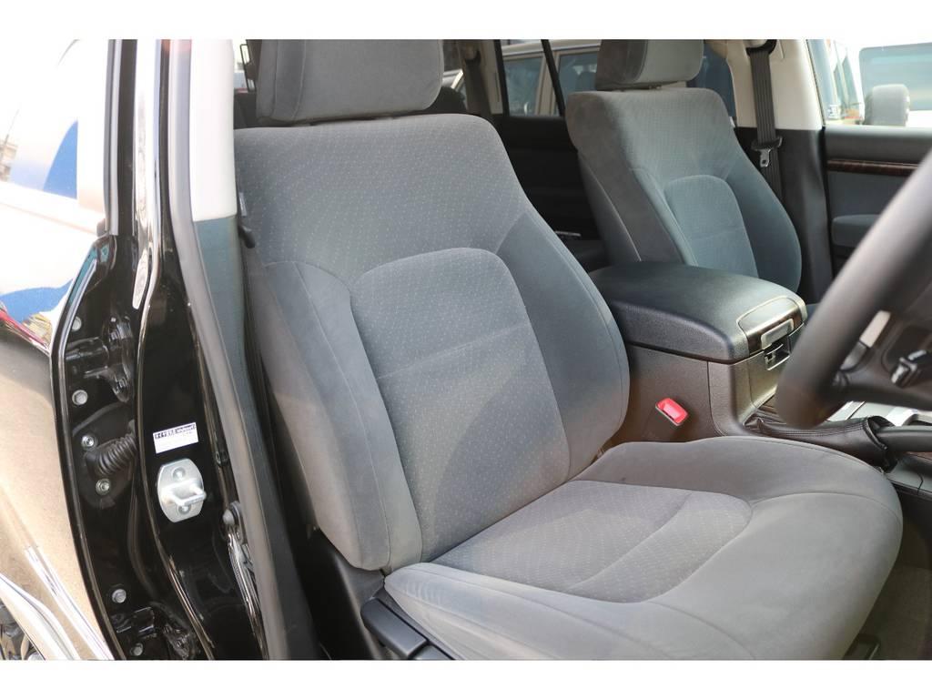 ご覧の通りダメージも無いキレイなシート!気持ち良くお乗り頂けます! | トヨタ ランドクルーザー200 4.6 AX 4WD
