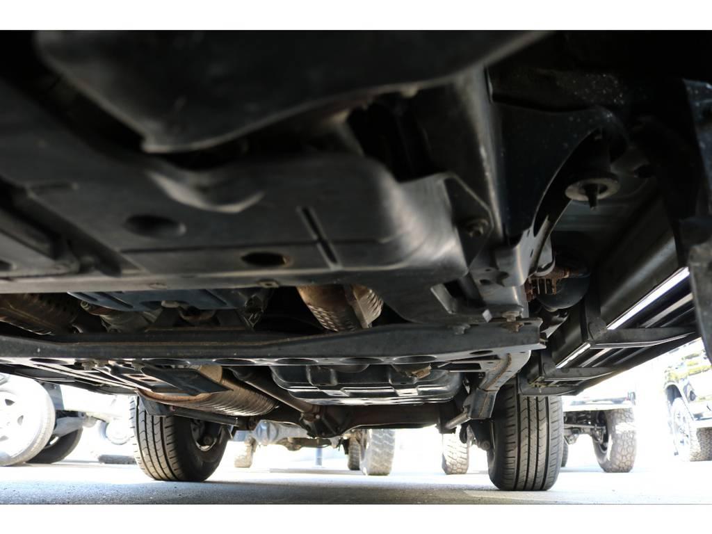堅牢なラダーフレーム車!劣悪な錆やダメージもありません! | トヨタ ランドクルーザー100 4.7 VXリミテッド 4WD