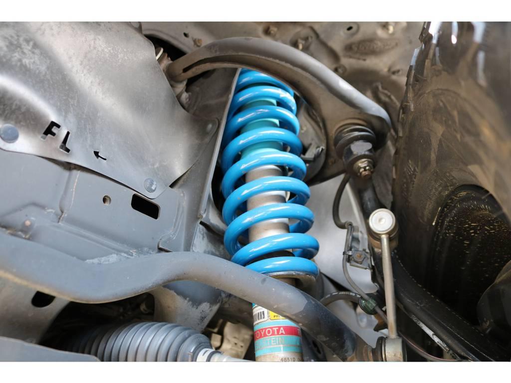 専用ビルシュタインショック!新品2インチUPコイルとの組み合わせで、リフトアップも施工! | トヨタ FJクルーザー 4.0 オフロードパッケージ 4WD