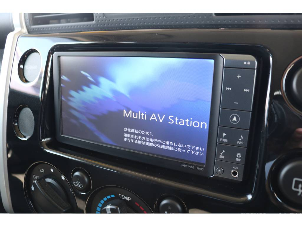 あると便利で嬉しいSDナビ装備!ETCも完備しておりますよ! | トヨタ FJクルーザー 4.0 オフロードパッケージ 4WD