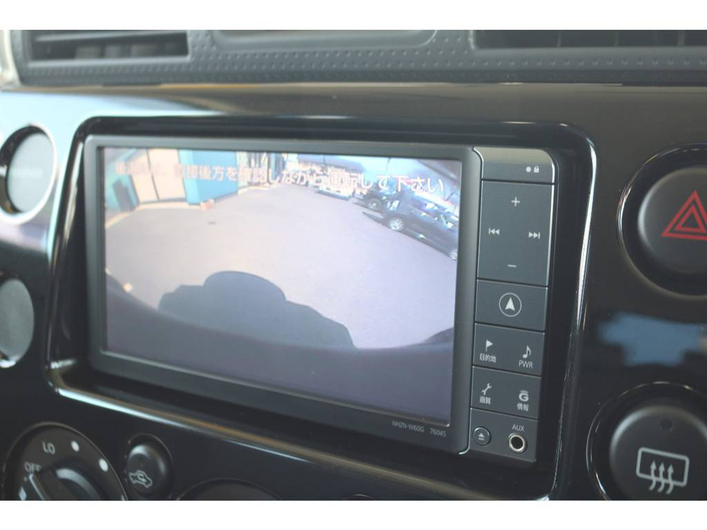 バックカメラ装備で車庫入れも安心です! | トヨタ FJクルーザー 4.0 オフロードパッケージ 4WD
