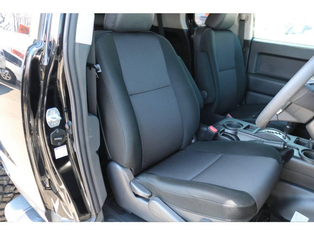 シートのコンディションも良好です! | トヨタ FJクルーザー 4.0 オフロードパッケージ 4WD