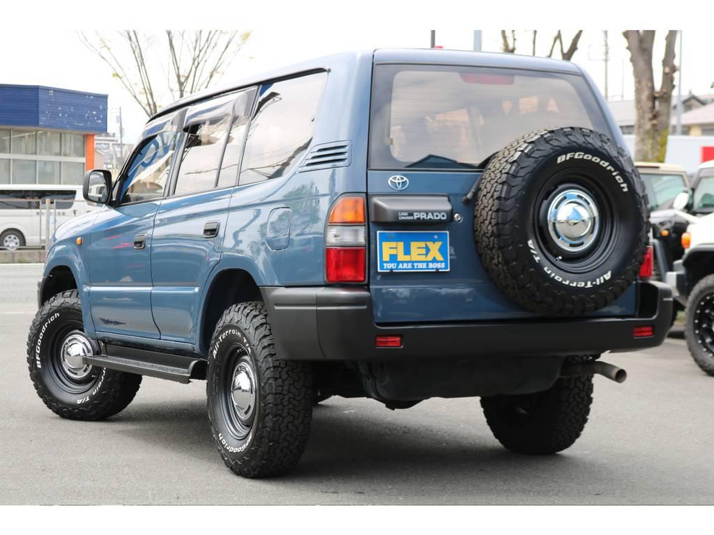 背面タイヤまで交換済みで、全体な統一感もUP!ワイルドなリアビューですね! | トヨタ ランドクルーザープラド  TZ