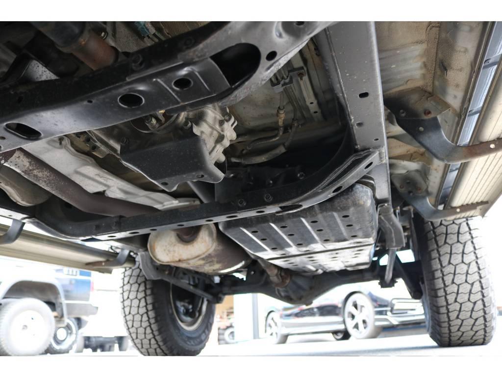 ラダーフレーム車!劣悪な錆やダメージも見受けられません! | トヨタ ハイラックスサーフ 2.7 SSR-V ワイドボディ 4WD