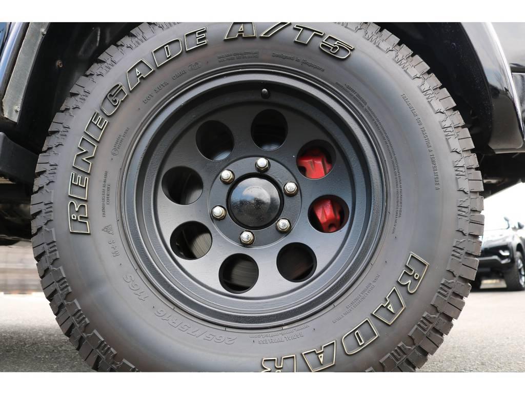 無骨なデザインが人気のM/TクラシックⅡ16AWに、265ATの組合せ! | トヨタ ハイラックスサーフ 2.7 SSR-V ワイドボディ 4WD