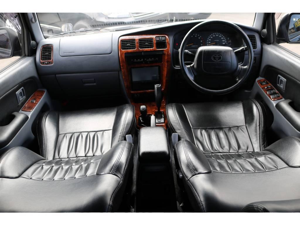 ブラックレザーのインテリア!ドアパネルも張り替えておりますので、全体のバランスもGOOD! | トヨタ ハイラックスサーフ 2.7 SSR-V ワイドボディ 4WD