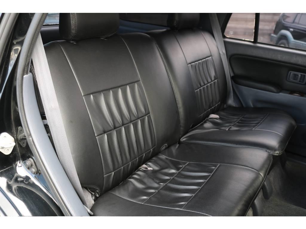 セカンドシートもご覧の通りです!キレイな状態を維持! | トヨタ ハイラックスサーフ 2.7 SSR-V ワイドボディ 4WD