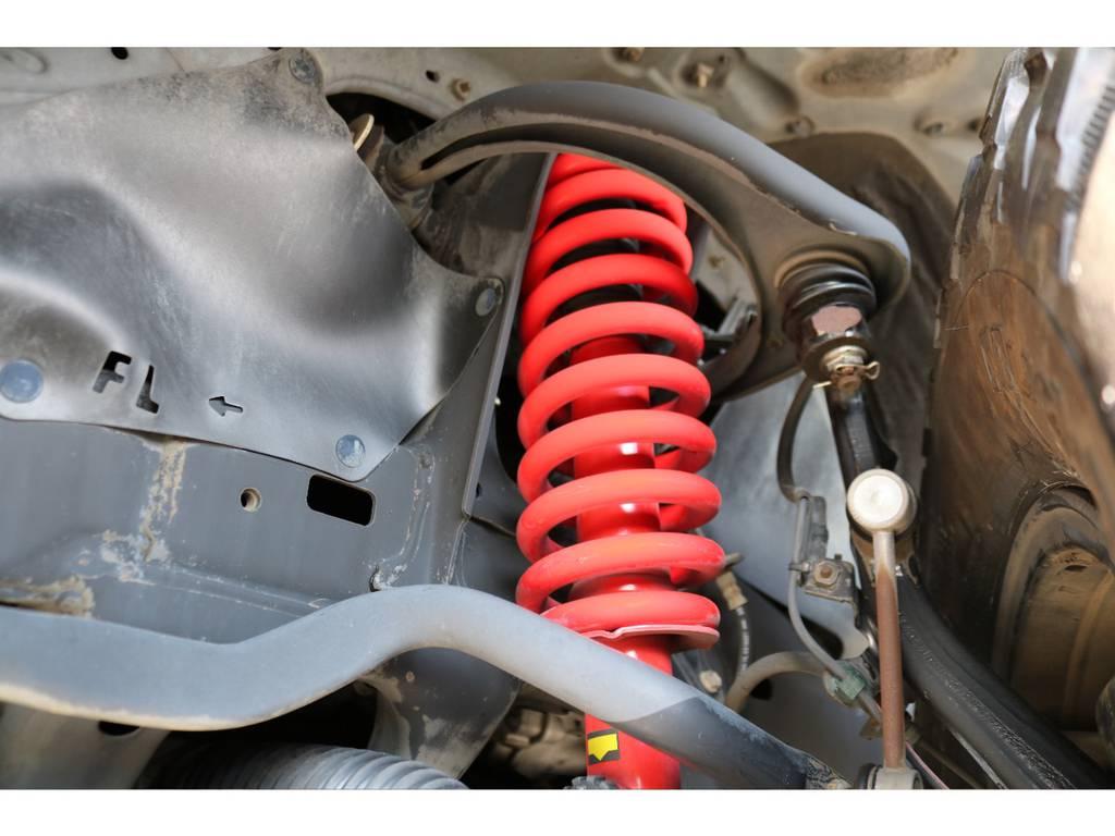 BATTLEZ2インチUPキットの足回り!ショックとコイル、ラテも交換済みです! | トヨタ FJクルーザー 4.0 カラーパッケージ 4WD