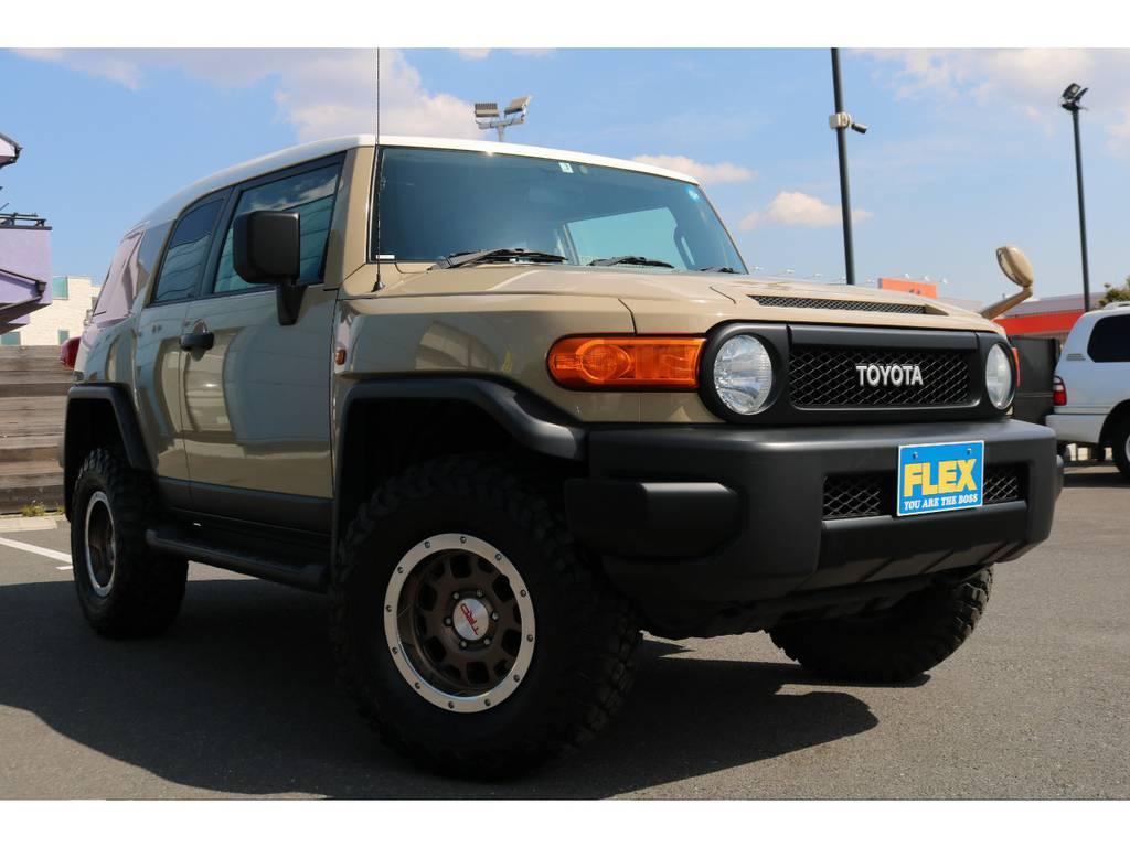 トレイル仕様のブラックアウター化!全体的に引き締まった印象になり、カッコ良いスタイルになりました! | トヨタ FJクルーザー 4.0 カラーパッケージ 4WD