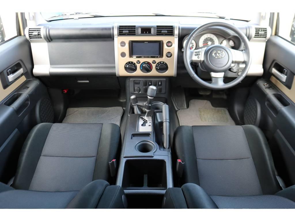カラーパッケージグレードは、インパネもカラードタイプになります!オシャレなイメージですね! | トヨタ FJクルーザー 4.0 カラーパッケージ 4WD