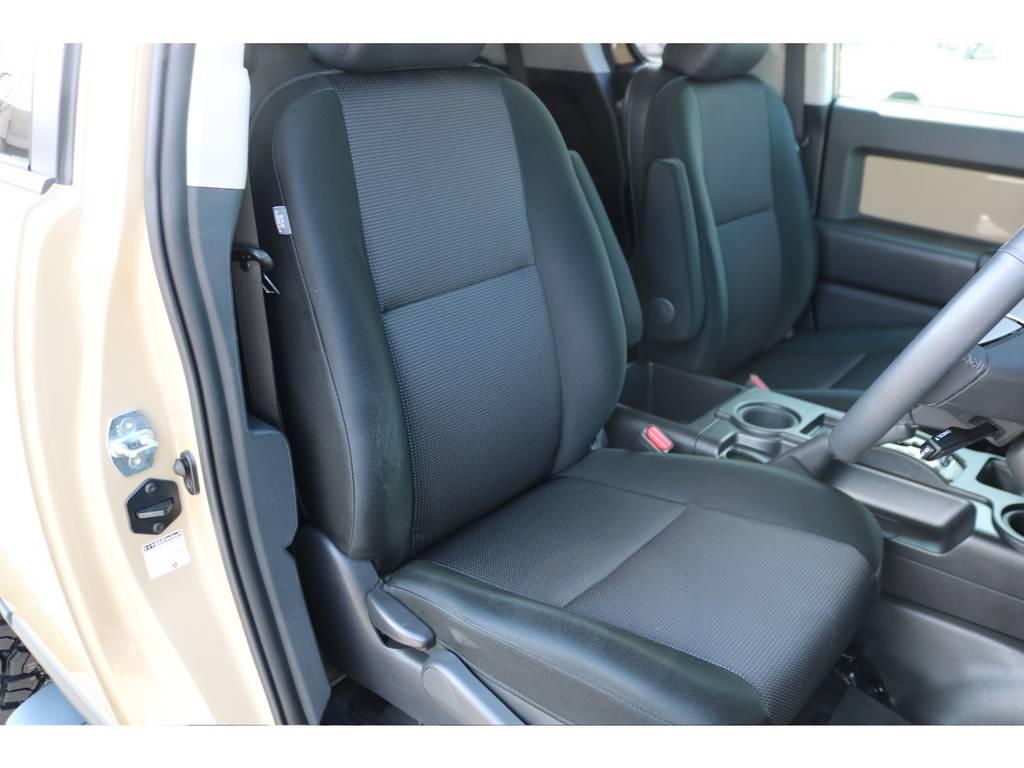 シートの状態もご覧の通り、キレイなままを維持しております! | トヨタ FJクルーザー 4.0 カラーパッケージ 4WD