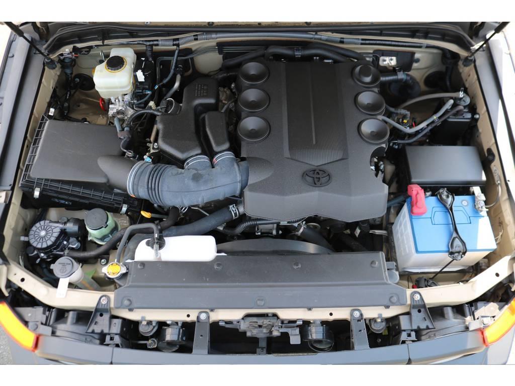 V6・4000ccの1GRエンジン!見た目とは裏腹なパワフルな走りに、定評があります! | トヨタ FJクルーザー 4.0 カラーパッケージ 4WD