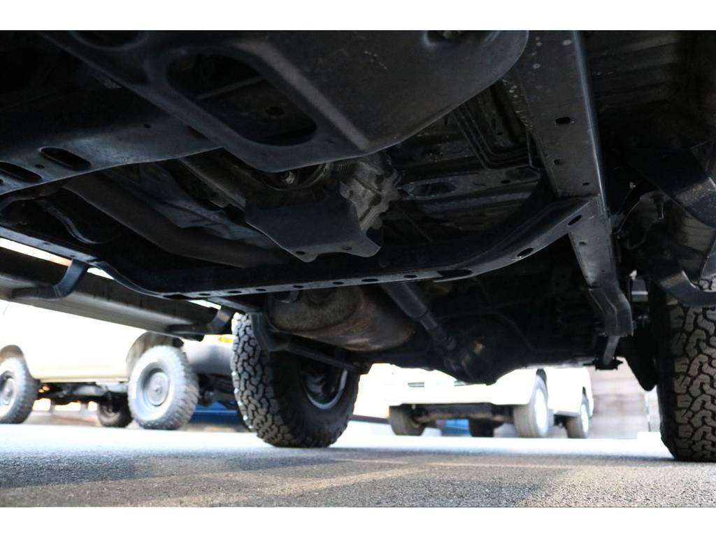 ご覧の通り下廻りも綺麗な状態です! | トヨタ ランドクルーザープラド 2.7 TX リミテッド 4WD