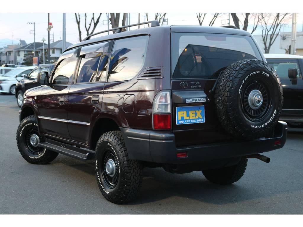 深みのあるダークレッドカラー!見る角度から表情を変える、とってもオシャレなカラーです! | トヨタ ランドクルーザープラド 2.7 TX リミテッド 4WD