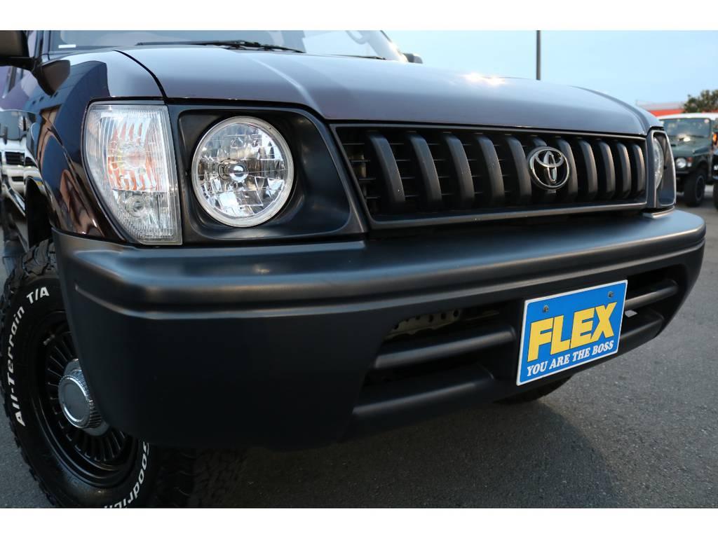 丸目フェイス換装&ナローボディー化に伴い、グリルやバンパーも交換済み! | トヨタ ランドクルーザープラド 2.7 TX リミテッド 4WD