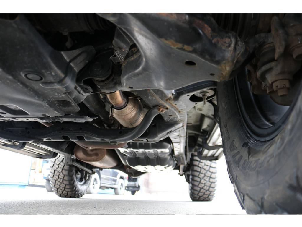 本格4WDの代名詞でもある、ラダーフレーム車!劣悪な錆やダメージは見受けられません! | トヨタ FJクルーザー 4.0 4WD