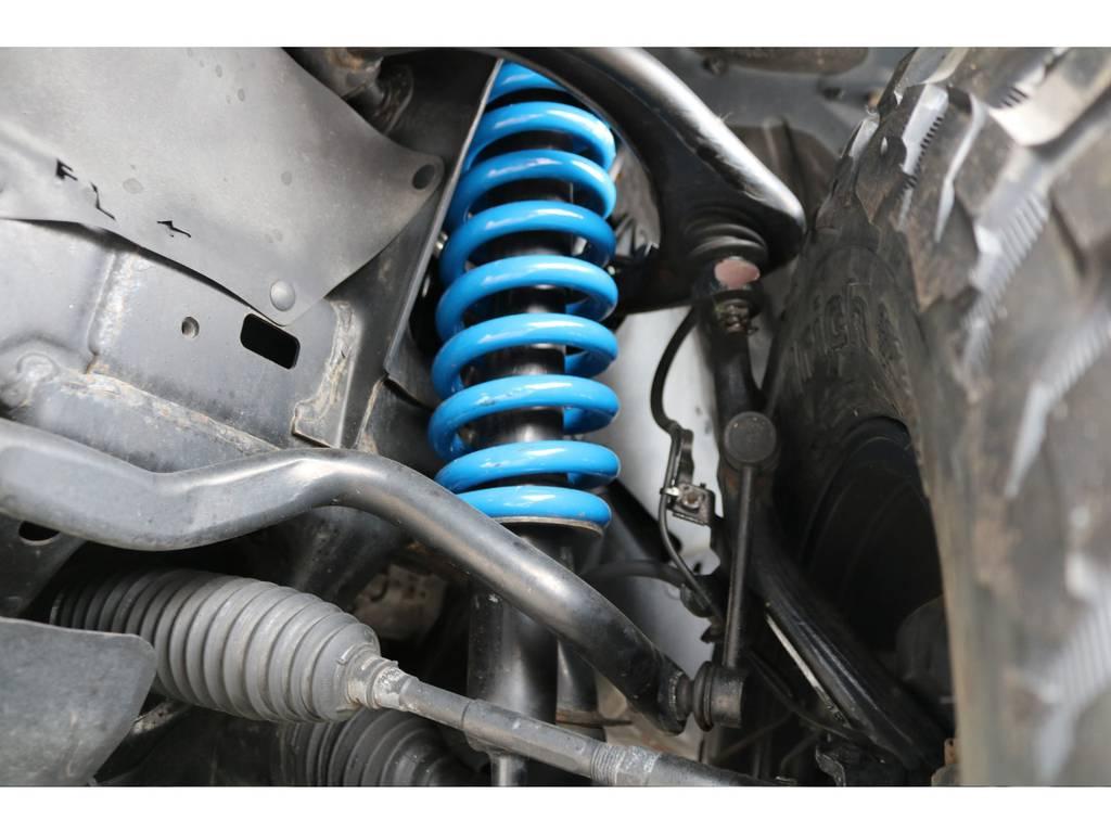 当店にて2インチリフトアップを新品バネで施工致しました! | トヨタ FJクルーザー 4.0 4WD