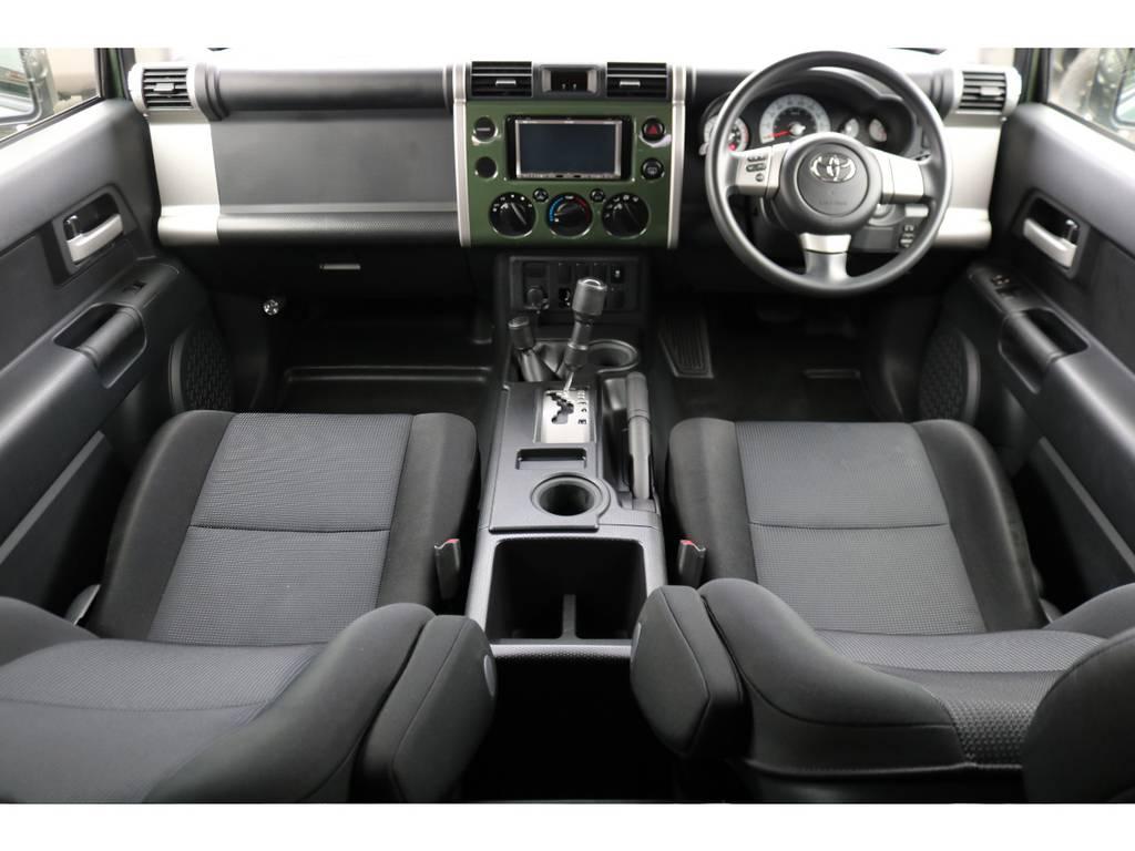 綺麗な状態を維持している車内!目立った傷等は見受けられません! | トヨタ FJクルーザー 4.0 4WD
