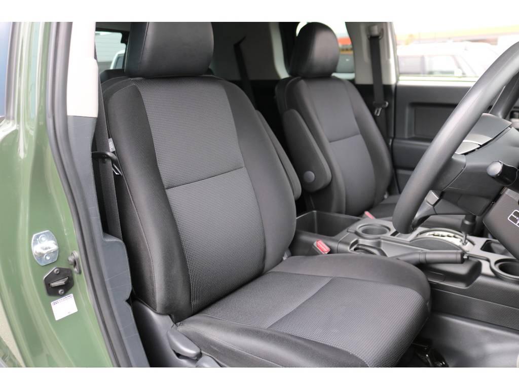 撥水性の高いファブリックシートの状態もご覧の通り、キレイなままを維持しております! | トヨタ FJクルーザー 4.0 4WD
