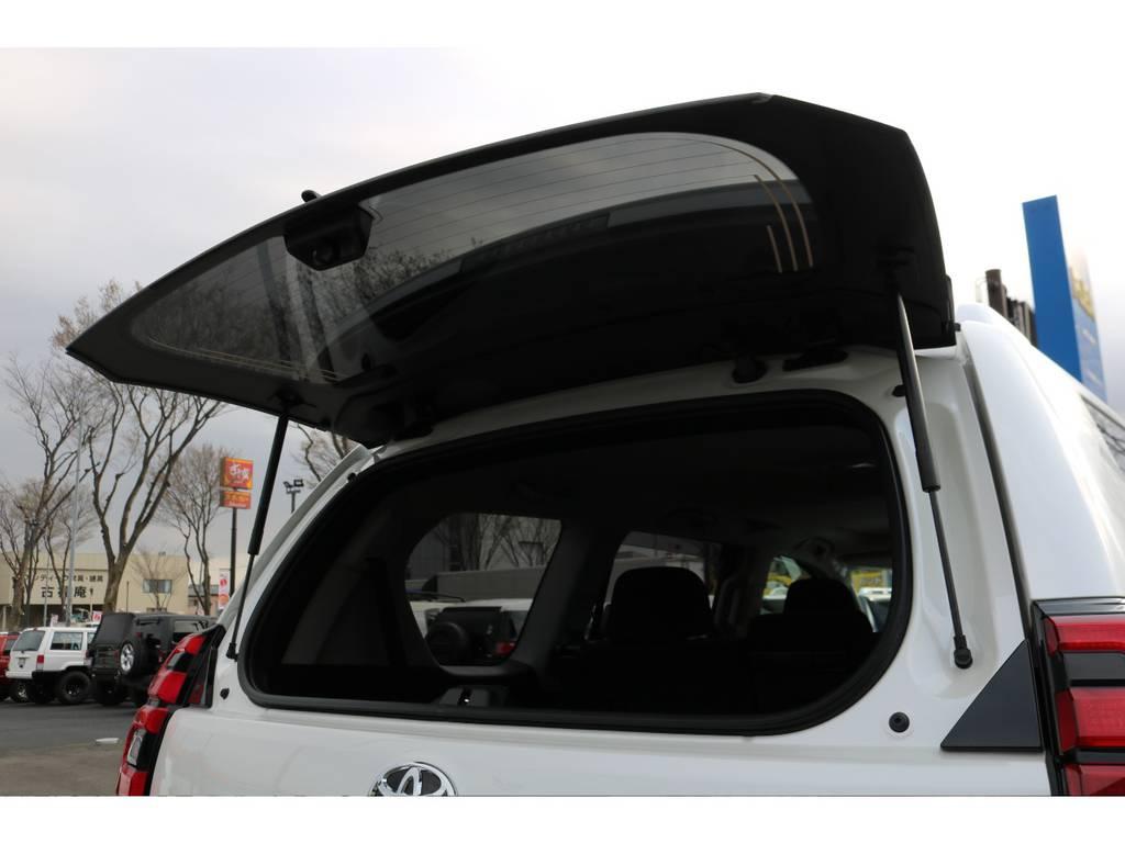 リアハッチガラスのみの開閉も可能です!狭い場所での荷物の積み下ろしも苦にしません!   トヨタ ランドクルーザープラド 2.8 TX ディーゼルターボ 4WD 7人