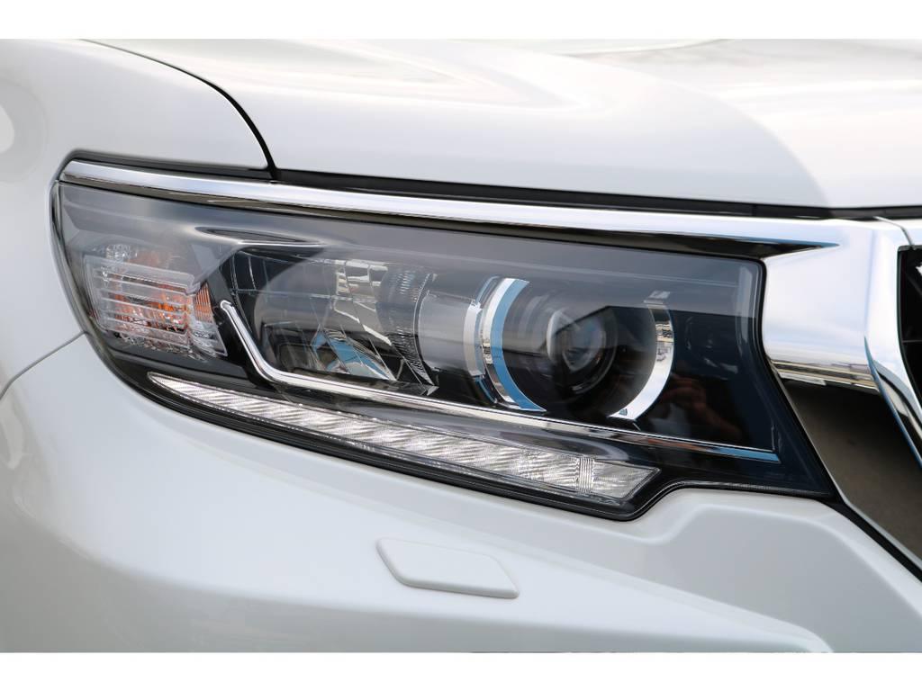 フロントLEDヘッドライト&フォグが後期から標準装備!   トヨタ ランドクルーザープラド 2.8 TX ディーゼルターボ 4WD 7人