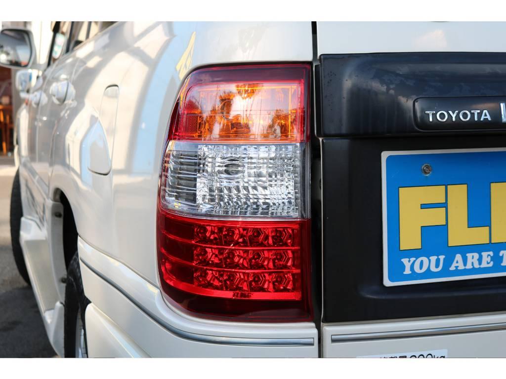 後期仕様のLEDテールランプ装着! | トヨタ ランドクルーザー100 4.7 VXリミテッド Gセレクション 4WD