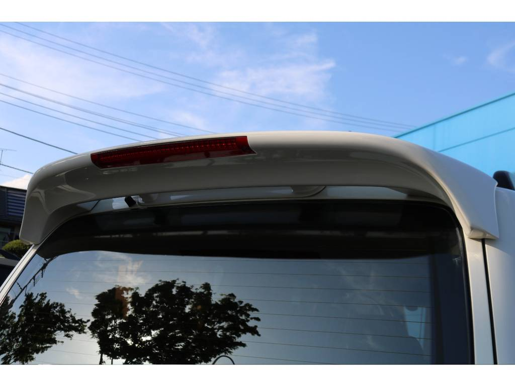 リアスポイラー装着されております! | トヨタ ランドクルーザー100 4.7 VXリミテッド Gセレクション 4WD