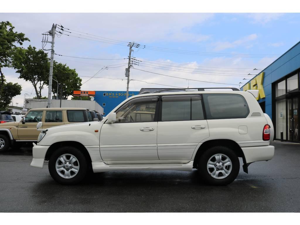 ノーマル車高の高級SUVの乗り味を体感してください! | トヨタ ランドクルーザー100 4.7 VXリミテッド Gセレクション 4WD