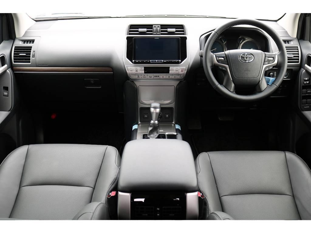 ブラックインテリア!本革シートで高級感のあるインテリア! | トヨタ ランドクルーザープラド 2.7 TX Lパッケージ 4WD 7人