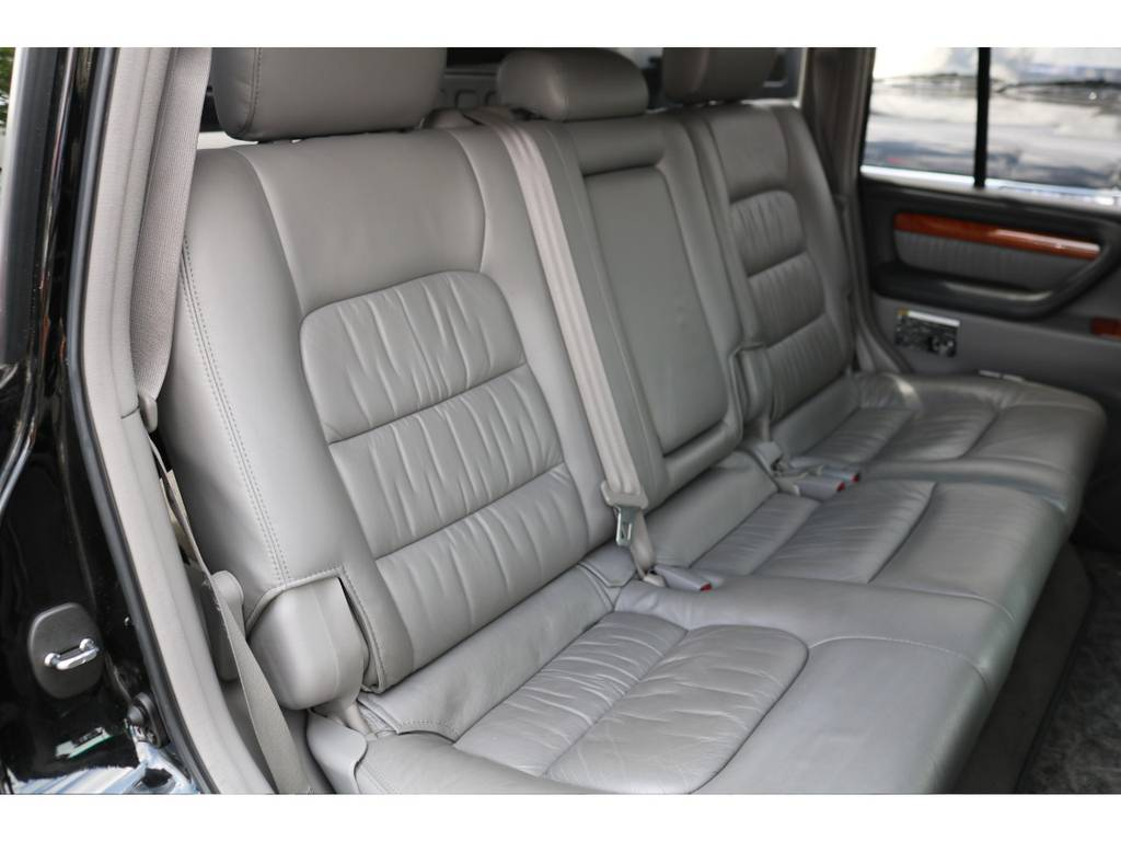 セカンドシートの状態もGOOD!気持ち良くお乗り頂けます! | トヨタ ランドクルーザーシグナス 4.7 インテリアセレクション 4WD