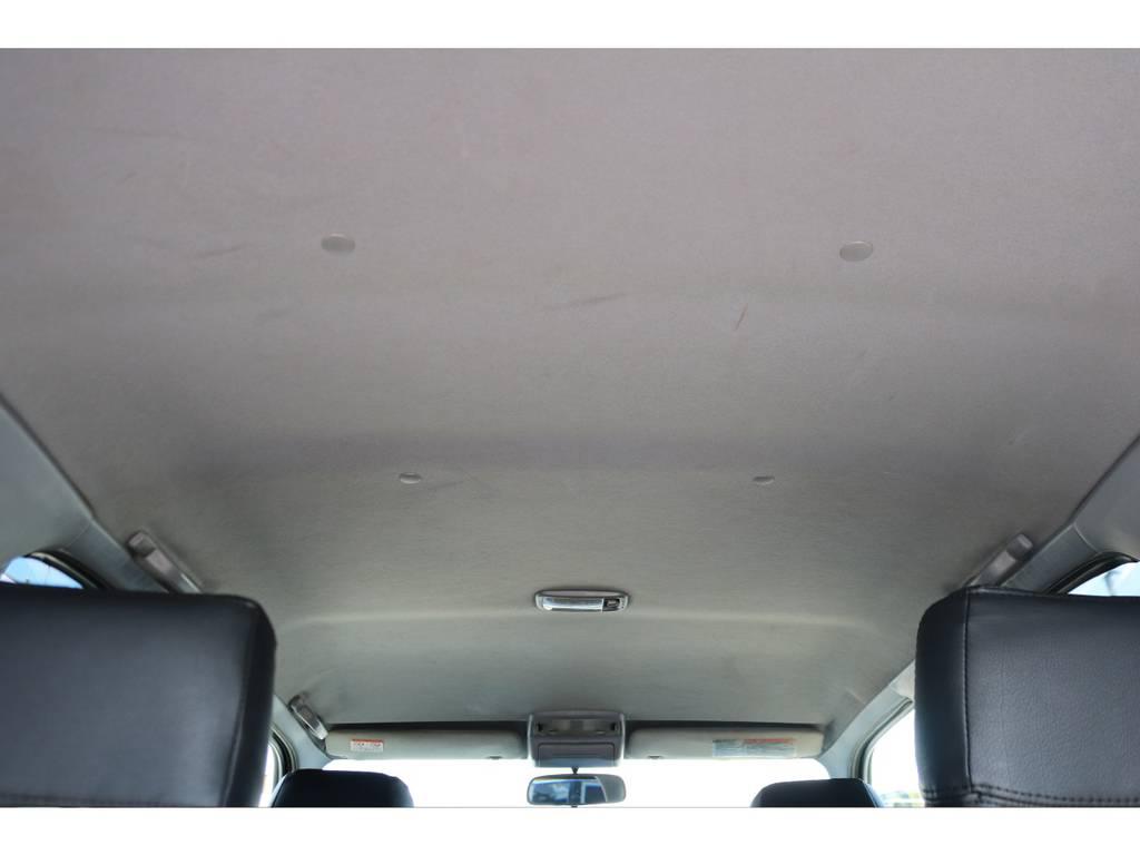 天張りに破れ等も無く、キレイな状態を維持! | トヨタ ハイラックスサーフ 2.7 SSR-X Vセレクション 4WD