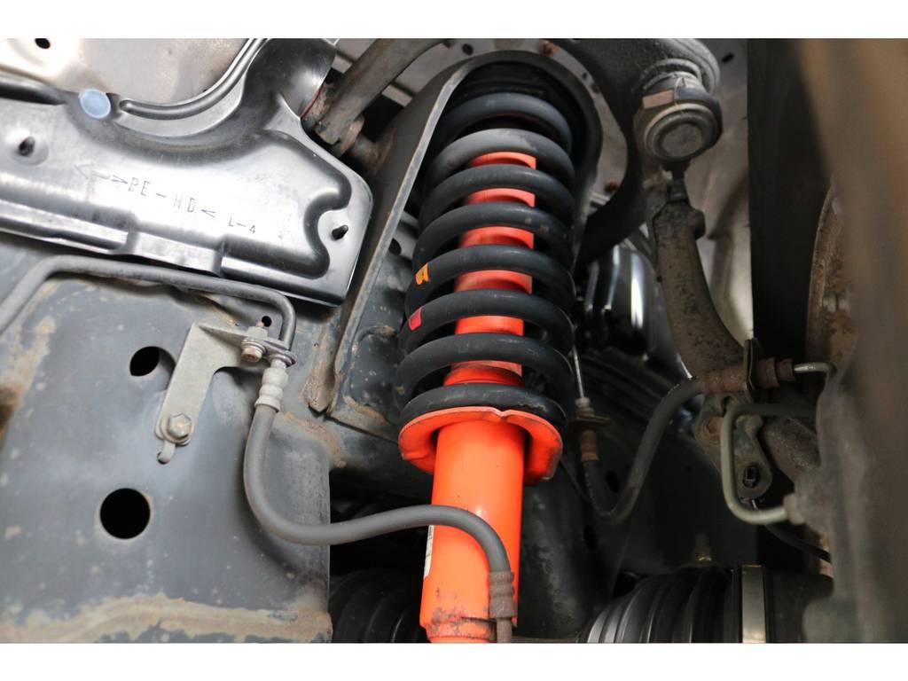 高額なX-REASのショックが装着されております! | トヨタ ハイラックスサーフ 2.7 SSR-G 4WD