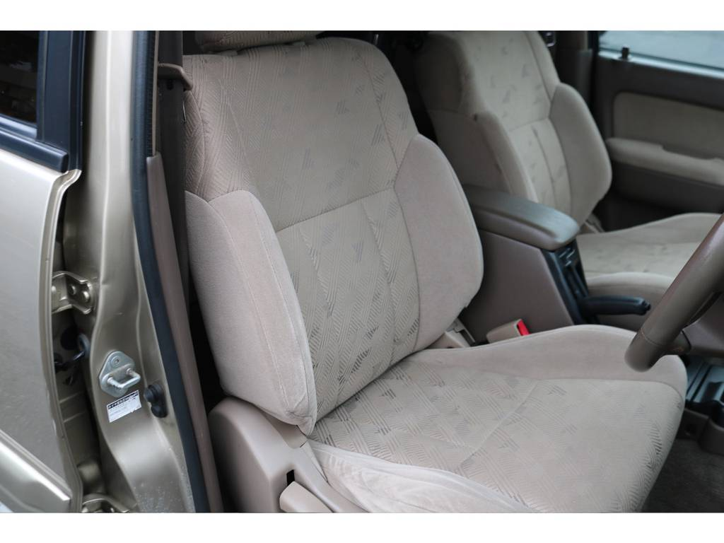 運転席シートもタバコの焦げ跡やシミ等なく綺麗な状態です! | トヨタ ハイラックスサーフ 2.7 SSR-G 4WD