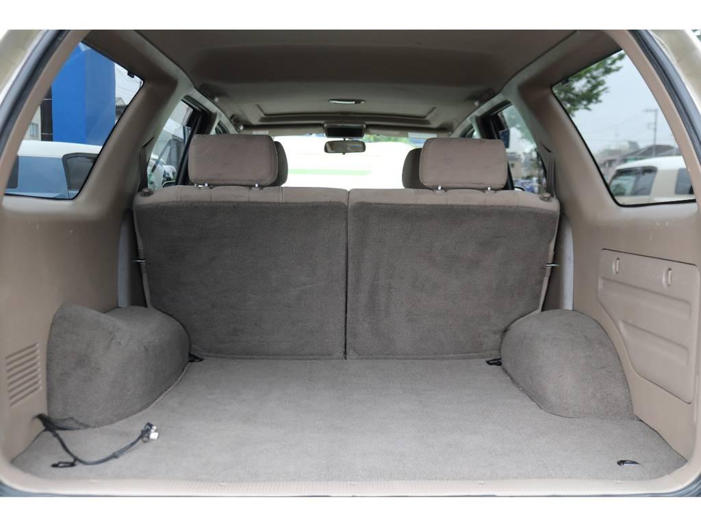 広々としたラゲッジスペースも綺麗な状態を維持しております! | トヨタ ハイラックスサーフ 2.7 SSR-G 4WD