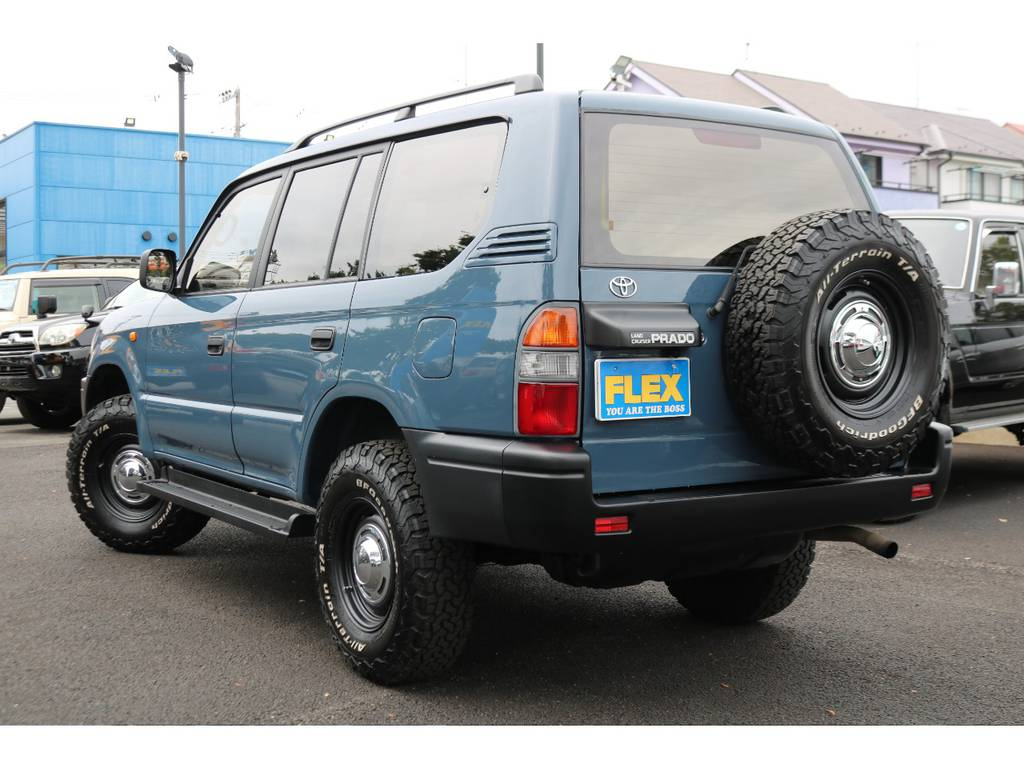 背面タイヤまで交換済みで、全体な統一感もUP!ワイルドなリアビューですね!