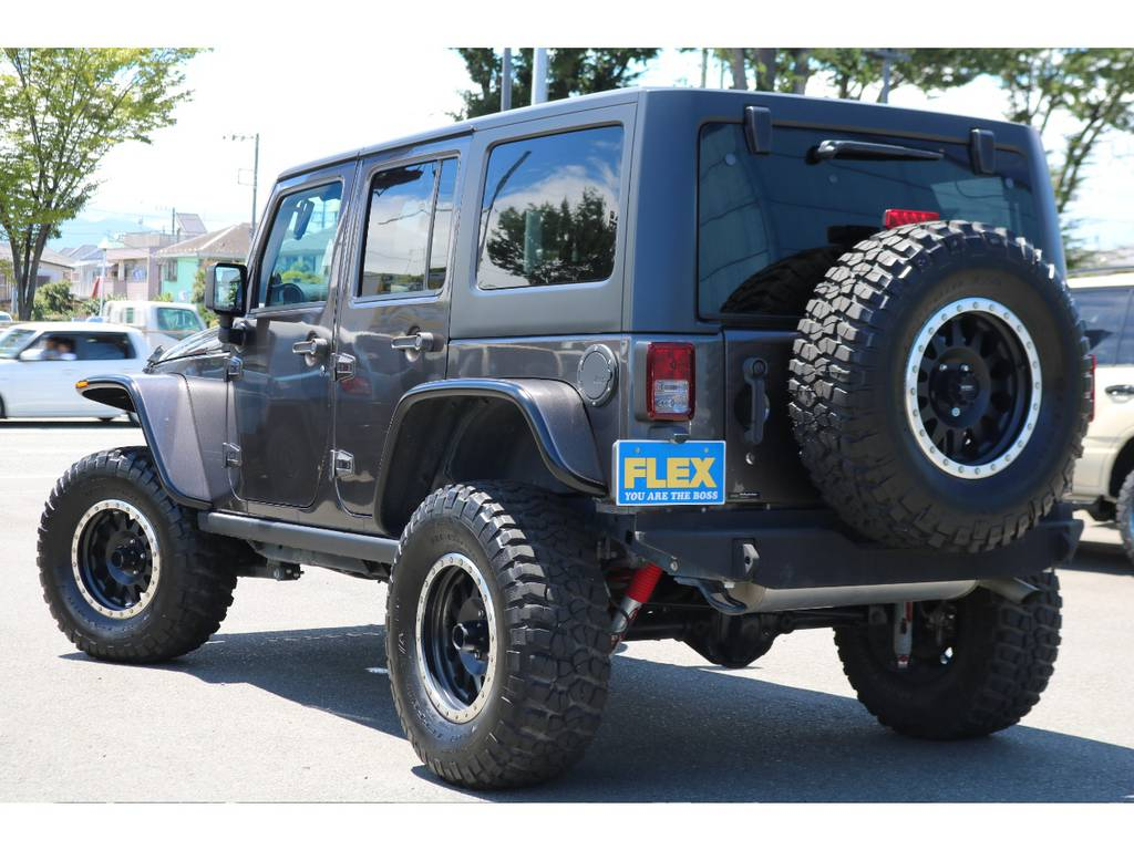 背面タイヤまで交換済みで、全体の統一感もUPしております!