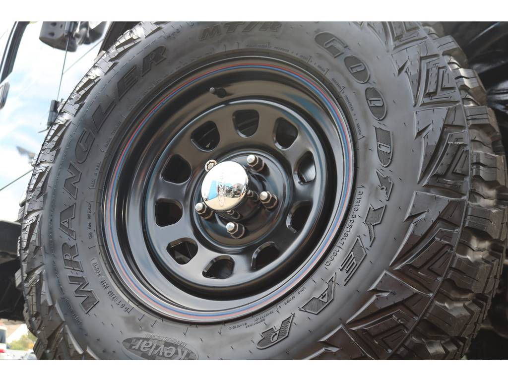 新品デイトナ15インチホイールに、グッドイヤーMTタイヤを5本装着!