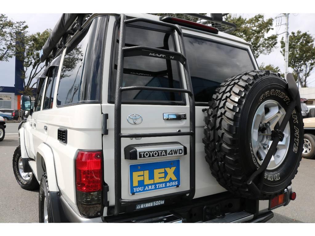 リアフィルム施工!リアラダー装備!背面タイヤも交換済みです!