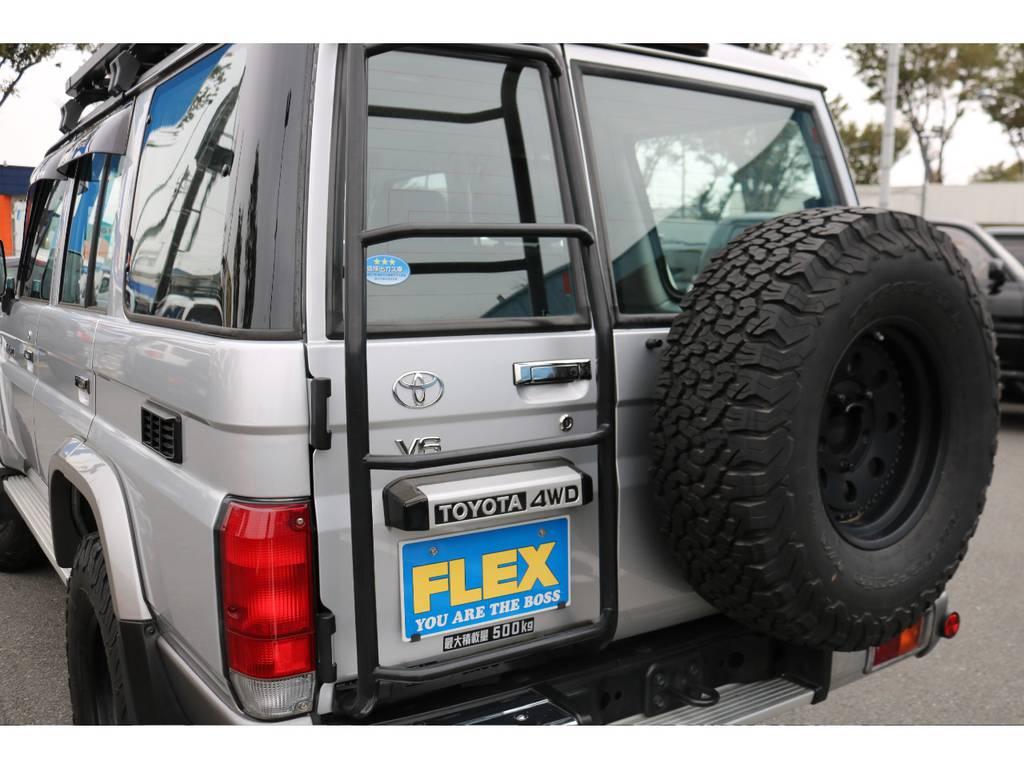 背面タイヤまで交換済みで、全体の統一感もUP!
