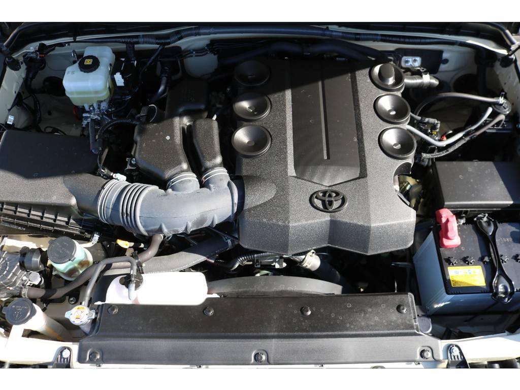 エンジンルーム内もキレイなまま!V6・4000ccの1GRエンジンは、トルクフルな走りも定評があります!
