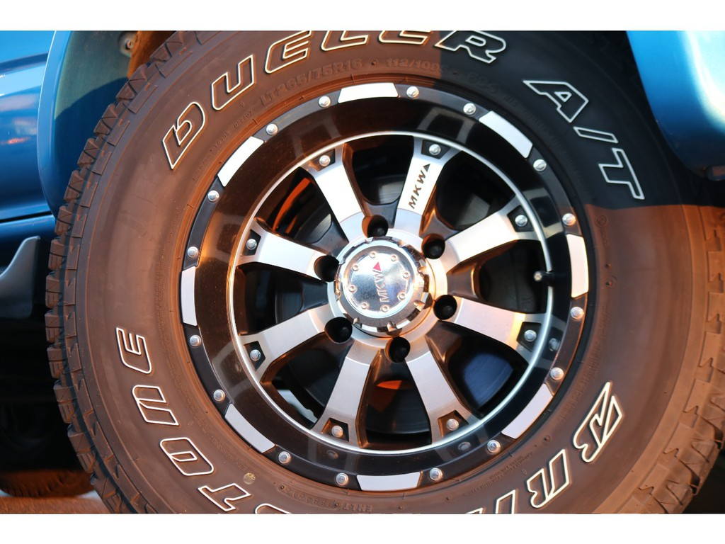 MKW16インチAWにブリジストンデューラー265ATタイヤが装着されております!