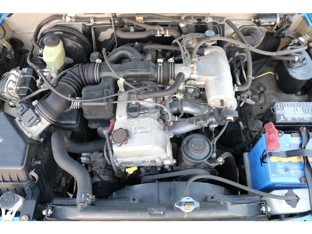 経済性に優れた2700ccエンジン!タイミングチェーン式で、10万キロ時の交換も不要です!