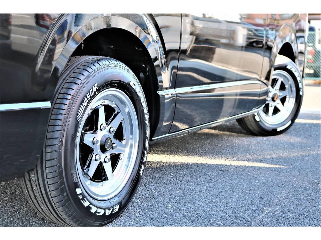 XR-6には車検対応のグッドイヤー ナスカーホワイトレタータイヤをチョイス!ホワイトレターが似合うのはハイエースならではです!
